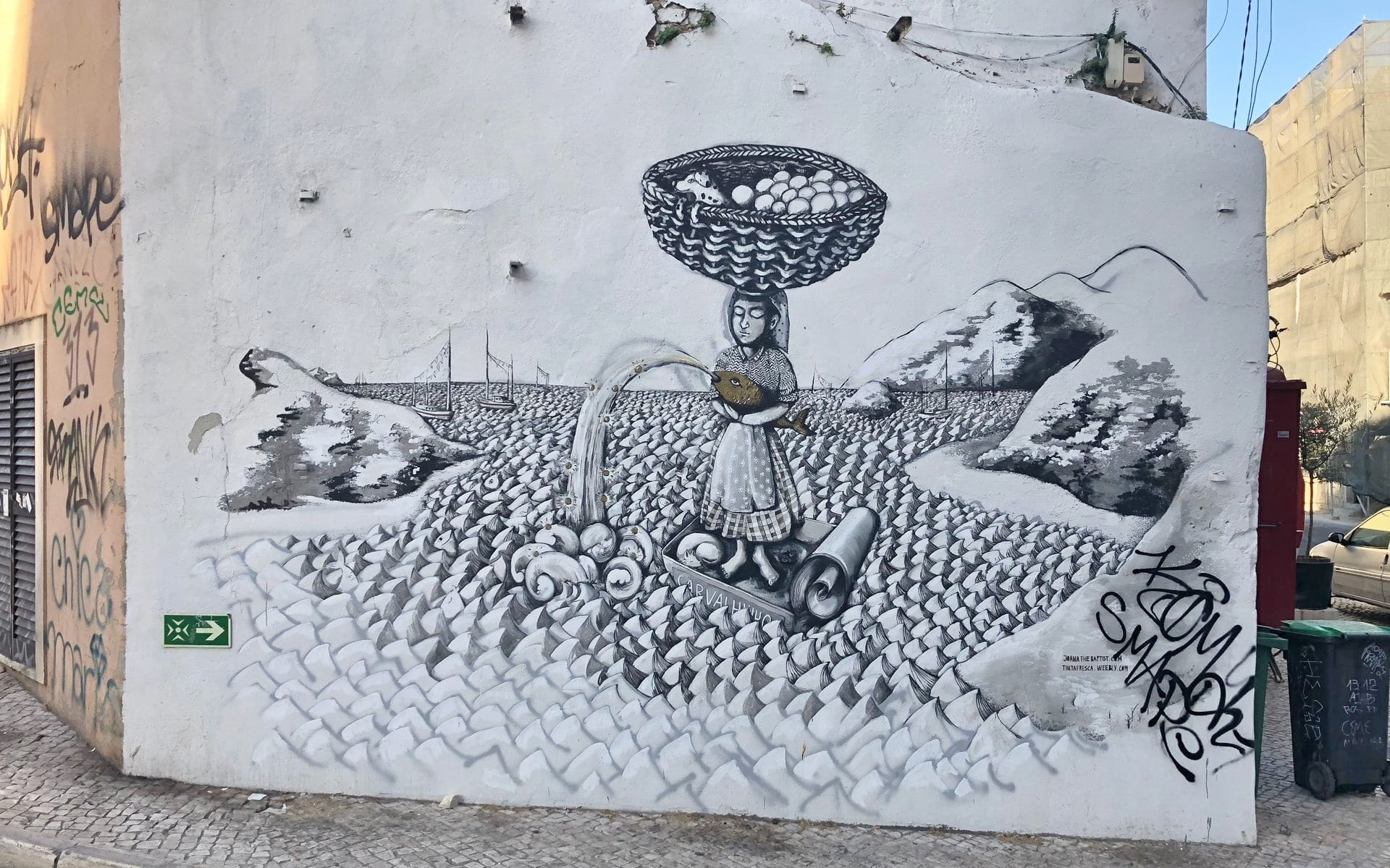 Street Art Setubal Joana the Baptist