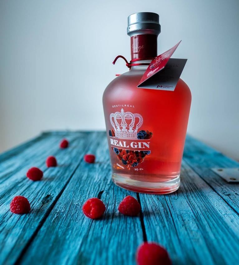 Real Gin Rouge Featured